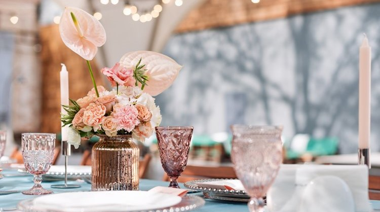 beautiful dining arrangement with flowers
