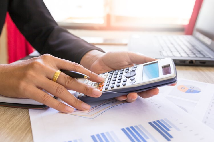 budget management using calculator