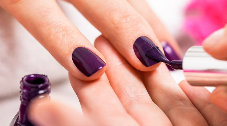 painting nails purple